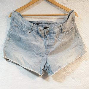 Mossimo Light Wash Jean Shorts Mid Rise (16)